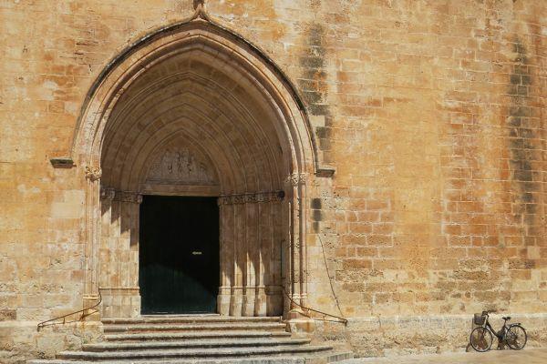 14C cathedral in Ciutadella