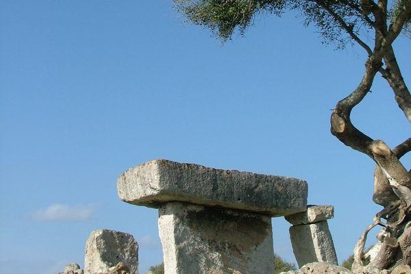 Prehistoric taula, Menorca