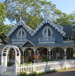 Cape cod gingerbread house